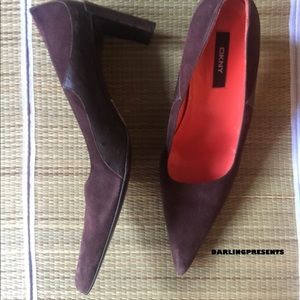 'DKNY' CHOCOLATE SUEDE PUMPS SIZE 10